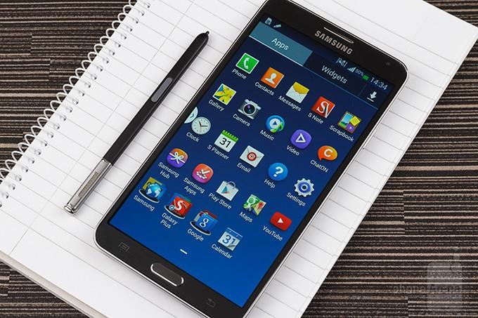 """Samsung Galaxy Note 3 Preview - So sánh cấu hình những phablet """"bé bự"""" trên thị trường"""