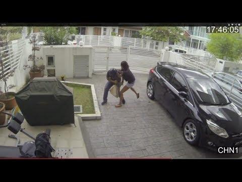 an cuop - Trộm đến nhà đàn bà cũng phang