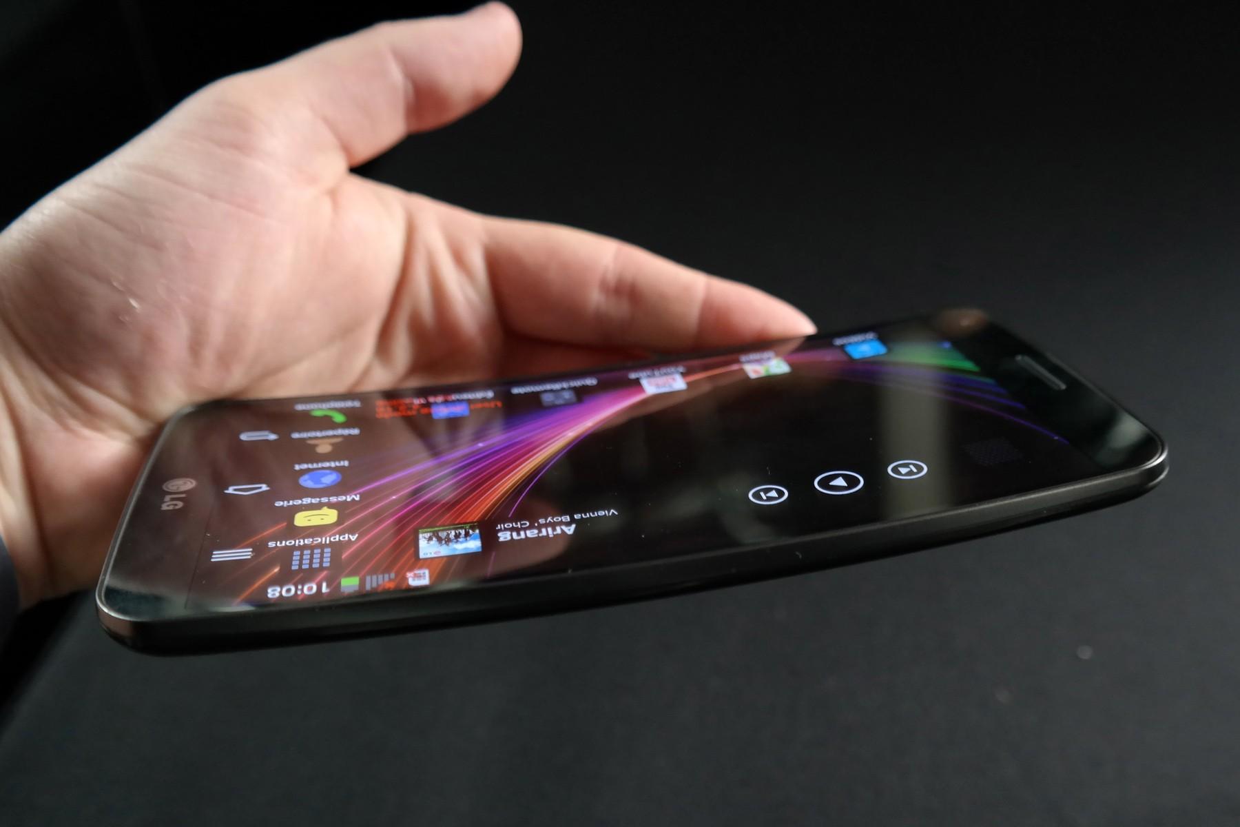 image0017 - LG G Flex bán ra thị trường Mỹ