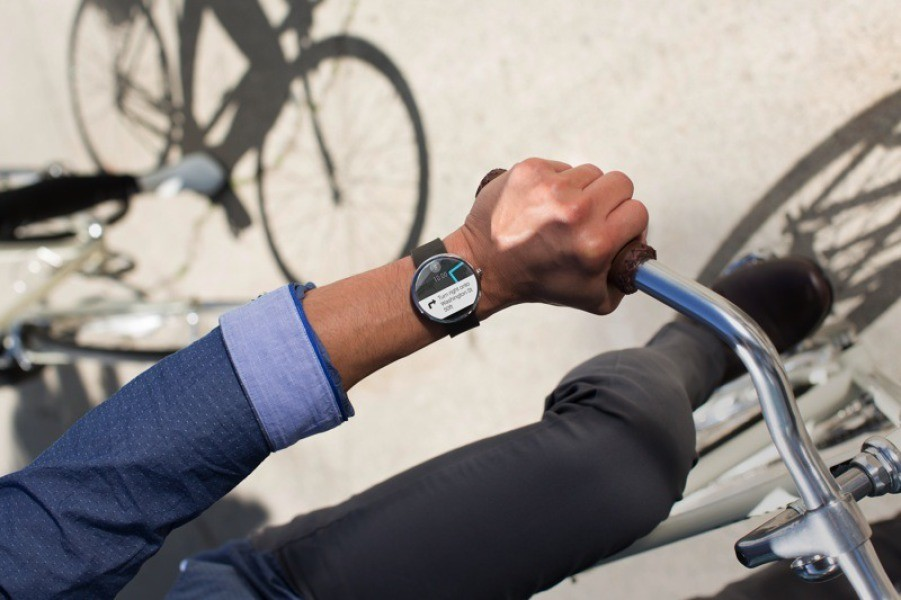 moto 360 1 - Moto 360: smartwatch Android Wear của Motorola