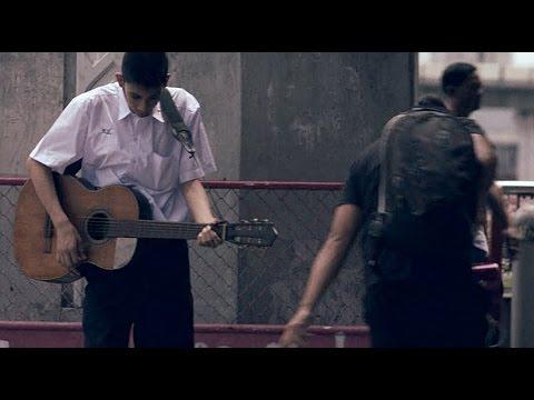 guitar - Đừng xem thường những người chơi guitar dở