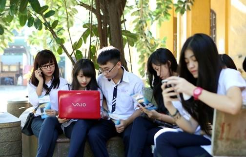 U64A1686 - VinaPhone khuyến mại tựu trường