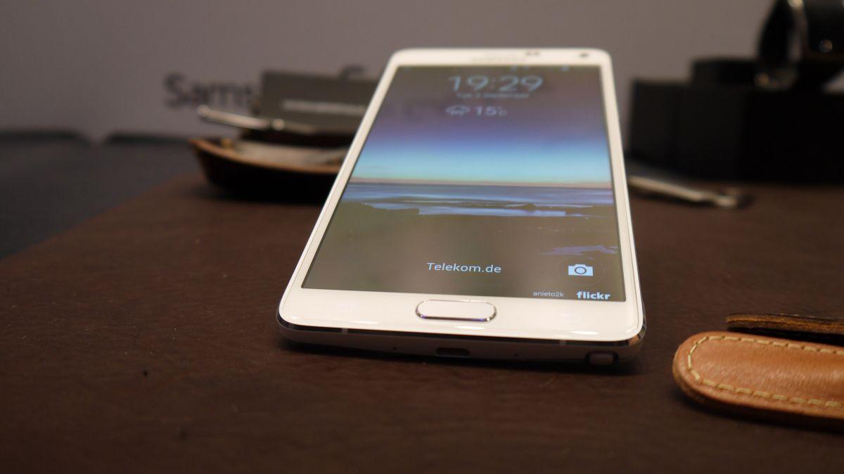 samsung galaxy note 4 - Bị iPhone đe doạ, Samsung bán ra Galaxy Note 4 sớm hơn dự định