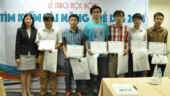 """Saigon CTT - DTS trao Học bổng """"Tìm kiếm tài năng trẻ DTS 2014"""""""