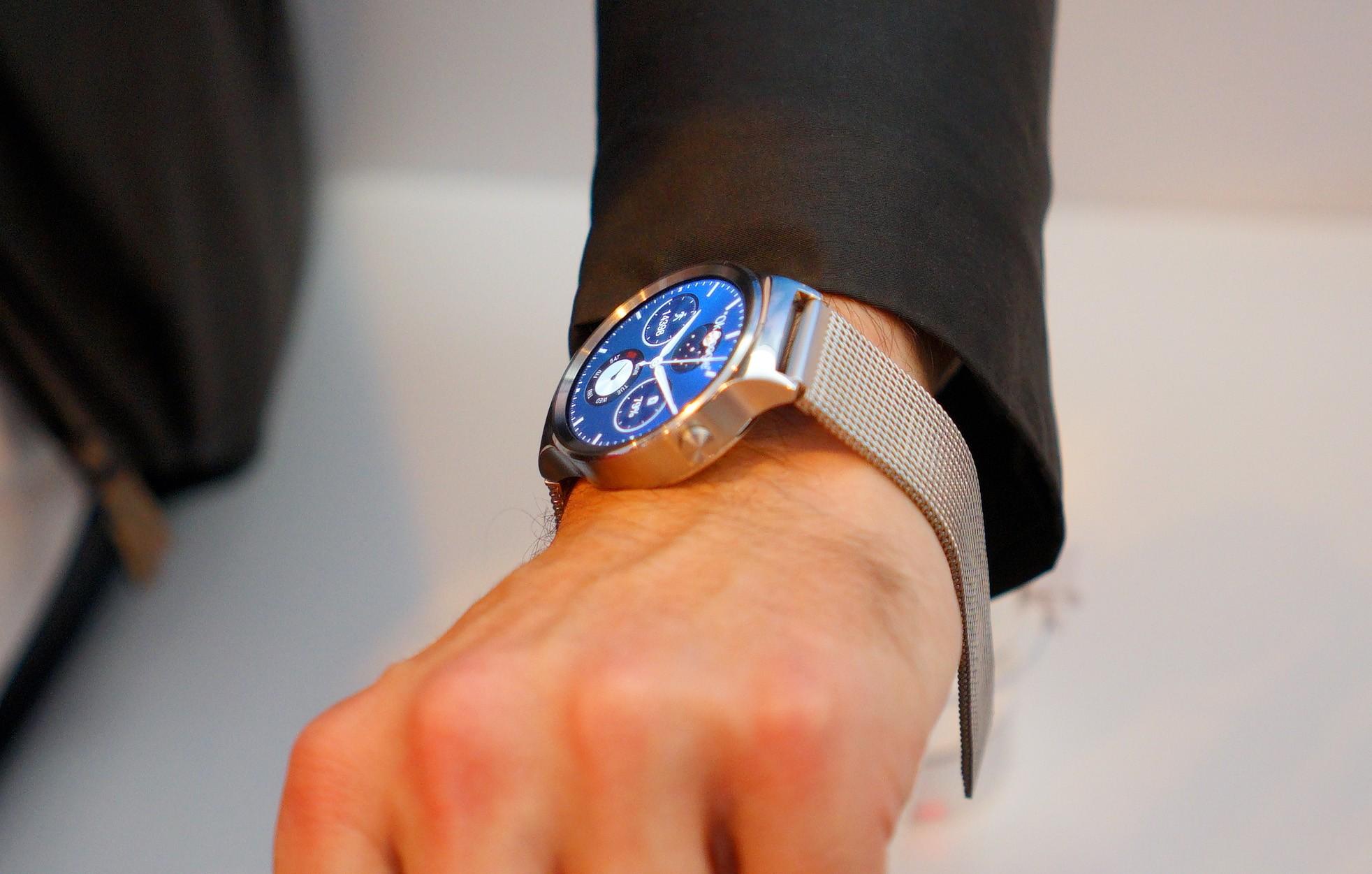 Huawei watch - Huawei Watch đã có thể đặt trước với giá 387 USD