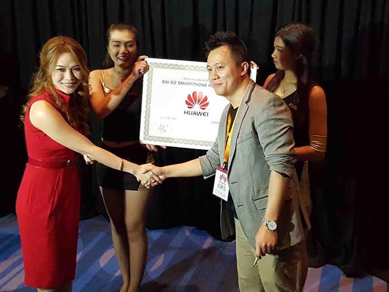 My Tam dai su huawei - Ca sỹ Mỹ Tâm là đại sứ thương hiệu smartphone của Huawei