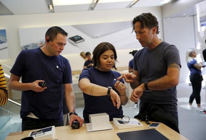 Chuyện chưa từng kể của nhân viên Apple Store