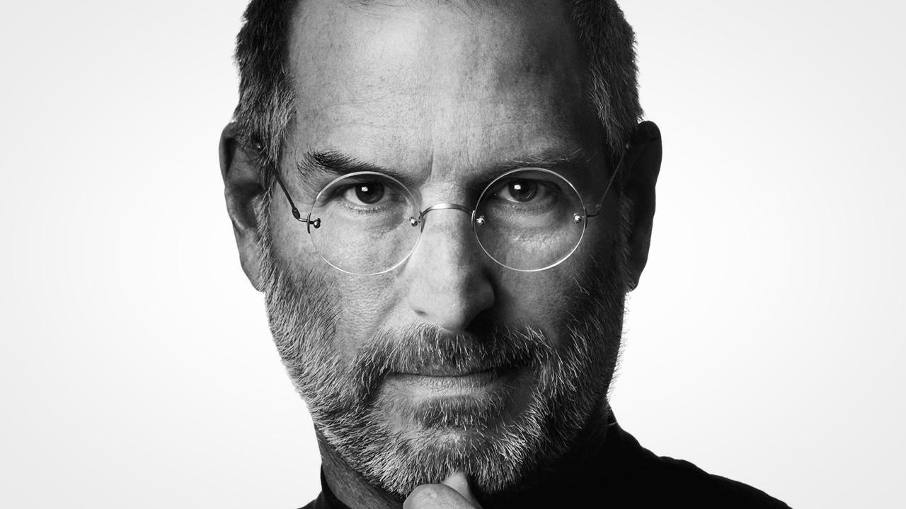 steve jobs - Steve Jobs giới thiệu một cửa hàng Apple năm 2001