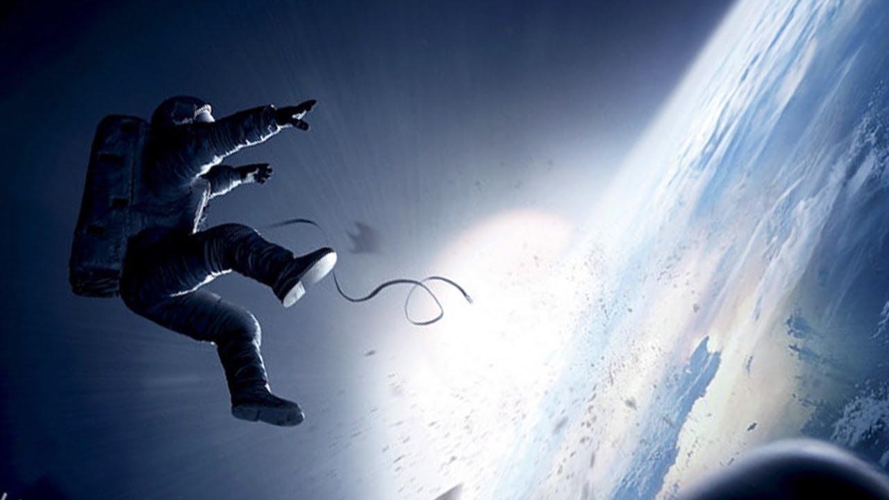 gravity image featured - [Hài hước] Cú sút penalty độc đáo nhất thế giới