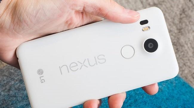 Ngoài chụp ảnh, ít ai biết đến 3 công dụng này của camera trên điện thoại