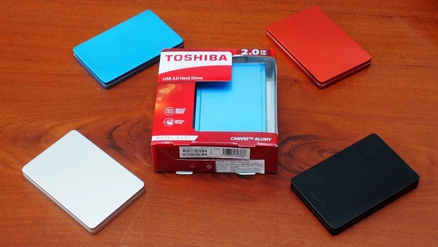 Ổ cứng Toshiba Canvio Alumy 2TB giảm 250.000 đồng, tặng kèm tai nghe Ibiza