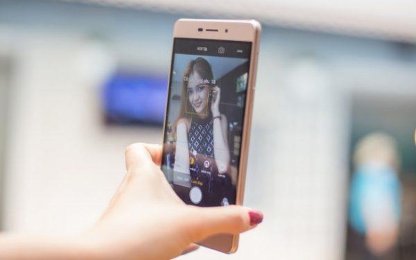 sky-3-selfie-trainghiemso