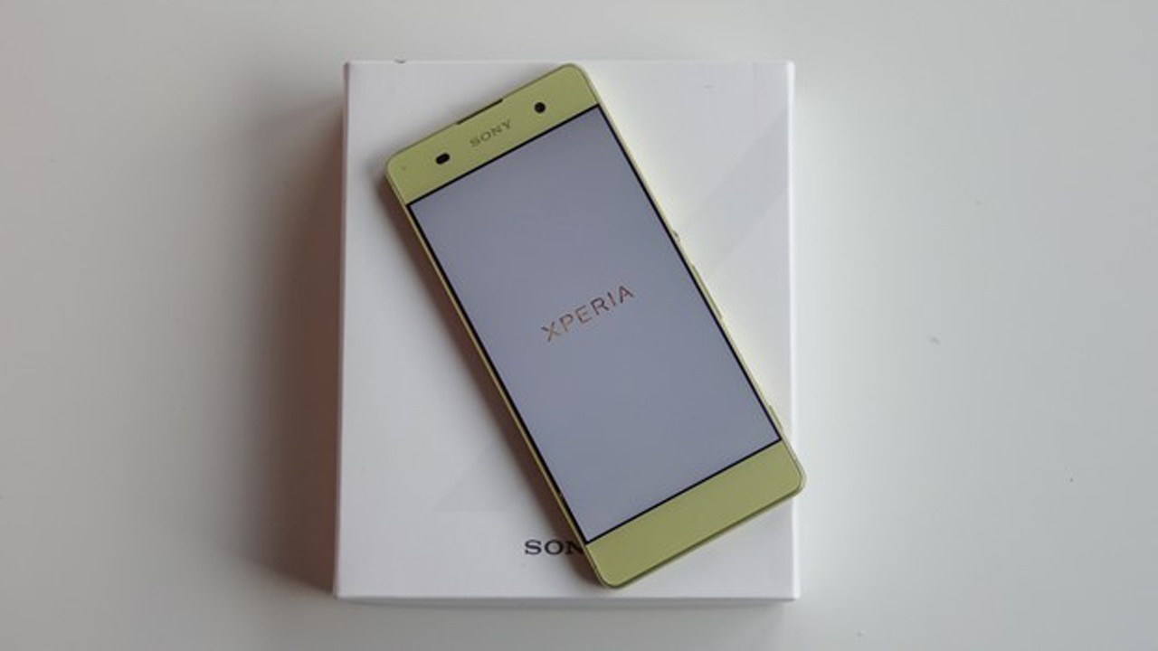 smartphone sony trainghiemso - Hai thái cực của điện thoại Sony tại Việt Nam