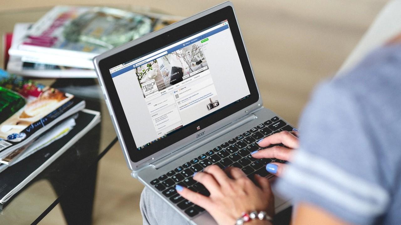 Facebook Post Manager - Tìm, xóa nhanh bài đăng cũ trên Facebook theo từ khóa