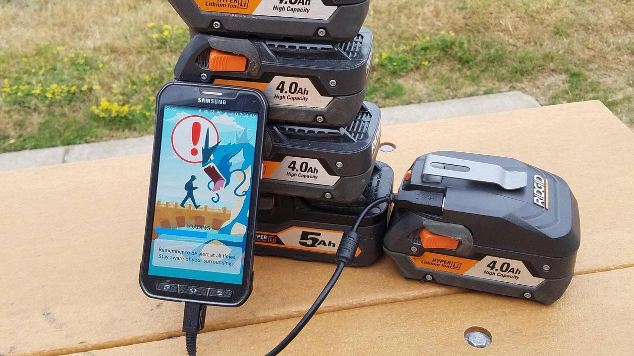 L9piZOc - Pin dự phòng bán chạy nhờ Pokemon GO