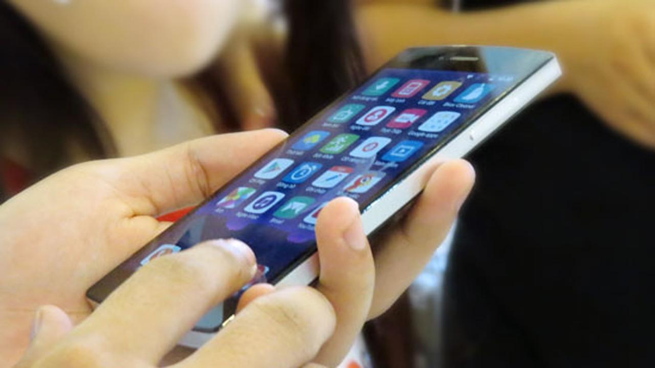 """bphone trainghiemso - Qualcomm """"bí mật"""" hỗ trợ DN Việt sản xuất smartphone"""