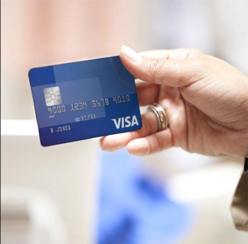 Ngân hàng đồng loạt cảnh báo khách hàng, đóng tính năng thanh toán trực tuyến