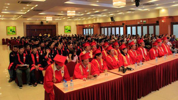 le-tot-nghiep-2013-2016