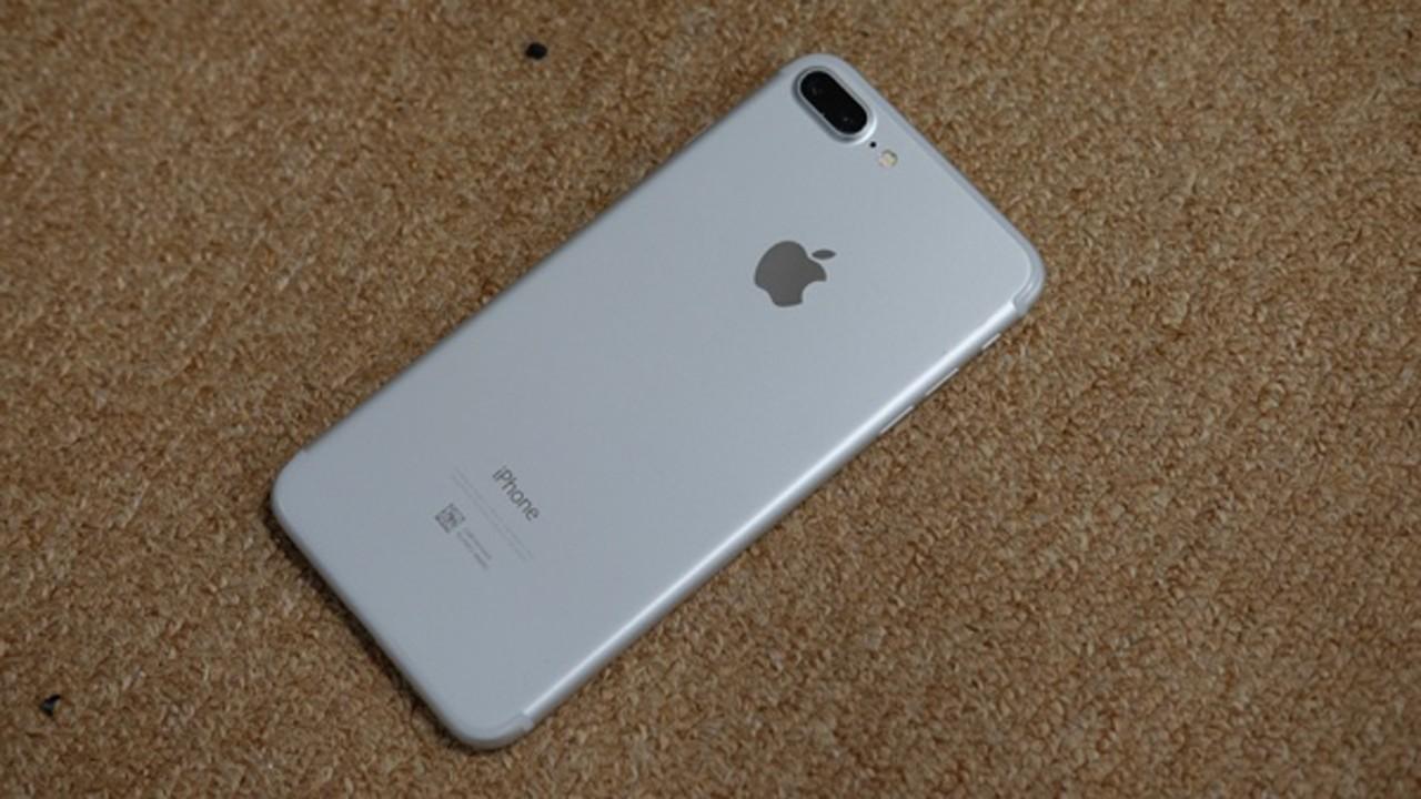 iphone 7 mau xam - iPhone 7 Plus màu bạc, màu đen nhám đã về Việt Nam