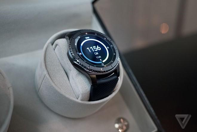 unnamed file 89 - Samsung Gear S3 ra mắt, dày hơn, thêm tính năng