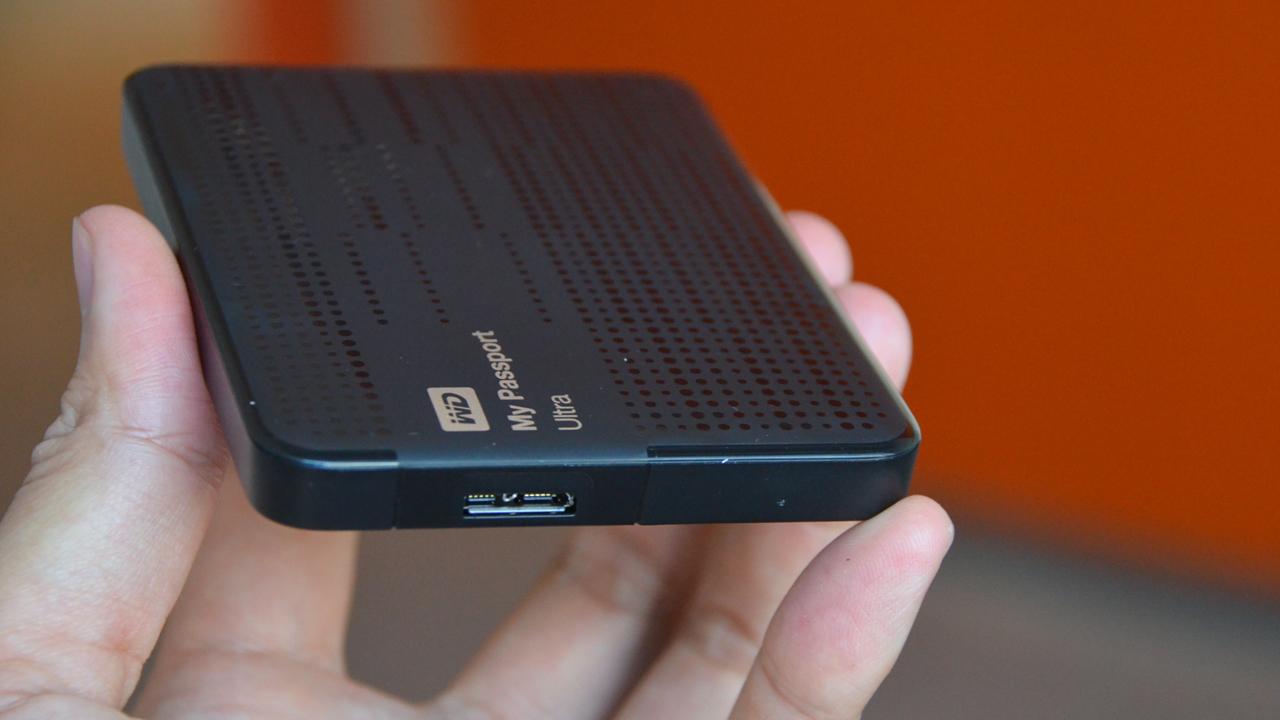 o cung My Passport Ultra - WD khuyến mãi: Mua ổ cứng di động nhận bao da, nón bảo hiểm