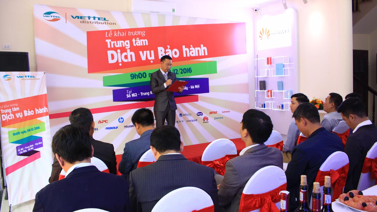 khai truong 13 - Khai trương Trung tâm Dịch vụ Bảo hành Viettel đầu tiên tại Hà Nội