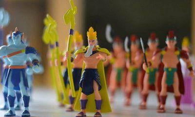 bo do choi son tinh thuy tinh 400x240 - Đồ chơi Sơn Tinh – Thủy Tinh và người thổi hồn cho đồ chơi thần thoại Việt