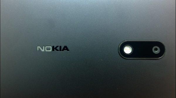 nokia 6 1  1600x900 600x337 - Nokia 6 dính lỗi bay màu logo
