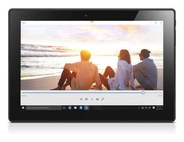 MIIX 310 02 Video Beach 600x464 - Lenovo Miix 310: tablet 2-trong-1 có thể tách rời