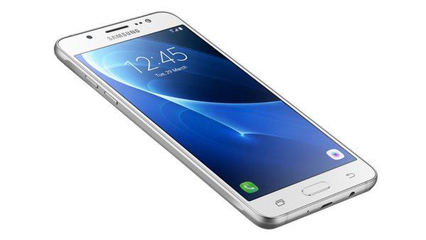 samsung galaxy j5 2016 3 1 600x338 - Galaxy J5 2016 giá giảm còn 3,69 triệu đồng