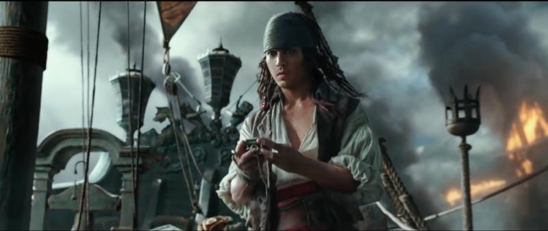 """Screen Shot 2017 05 26 at 8.25.30 PM 800x337 - Đánh giá Pirates Of The Caribbean 5: """"Nồi lẩu"""" cướp biển không cảm xúc"""