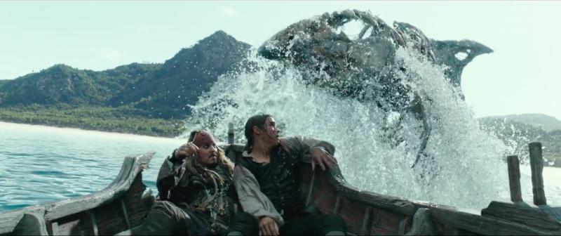 """Screen Shot 2017 05 26 at 8.27.33 PM 800x336 - Đánh giá Pirates Of The Caribbean 5: """"Nồi lẩu"""" cướp biển không cảm xúc"""