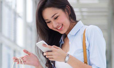 android smartphone girl featured 400x240 - Tổng hợp 11 ứng dụng Android miễn phí ngày 24.8 trị giá 765.000 đồng