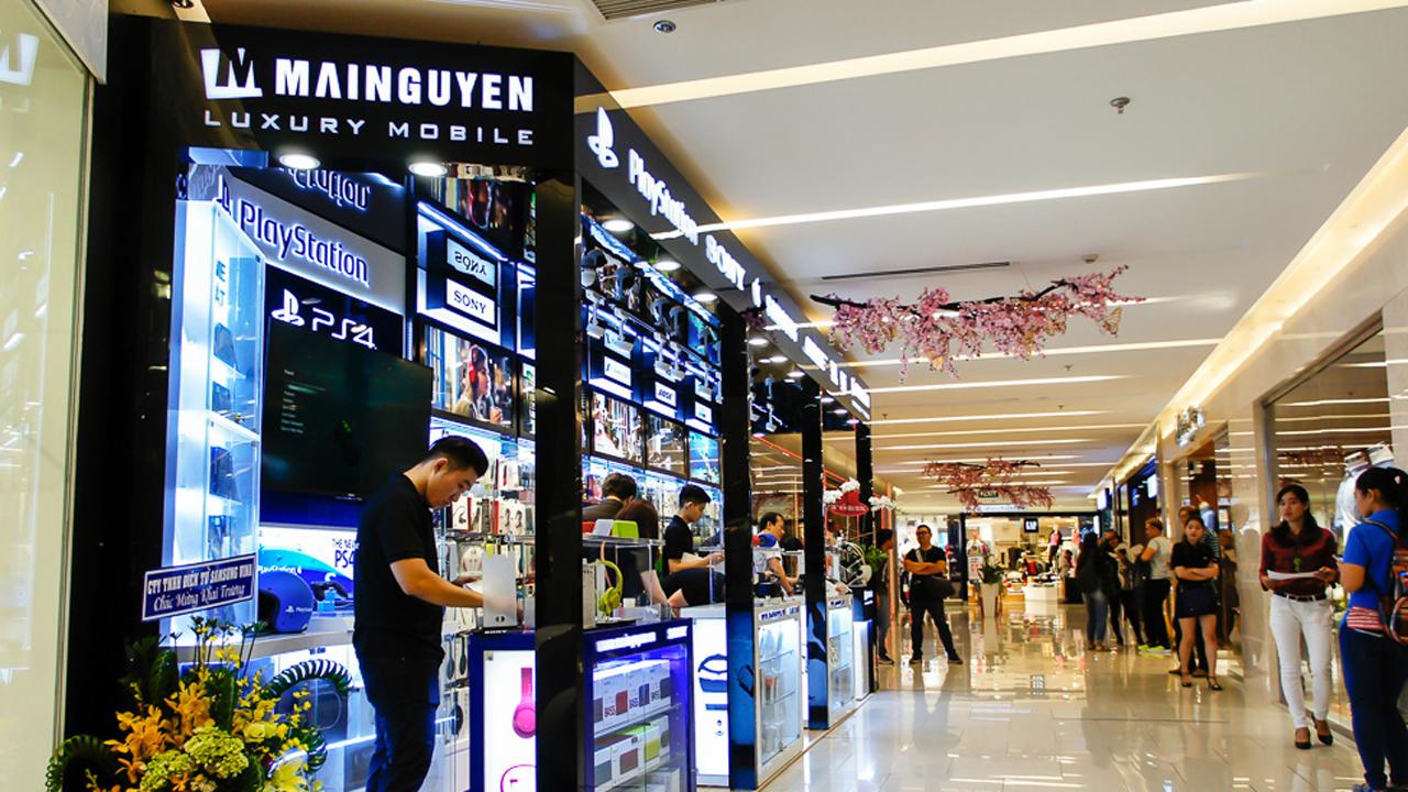 mai nguyen saigon centre khai truong le valentine 02 - Cẩn trọng với thủ đoạn dùng thẻ tín dụng giả thanh toán khi mua hàng