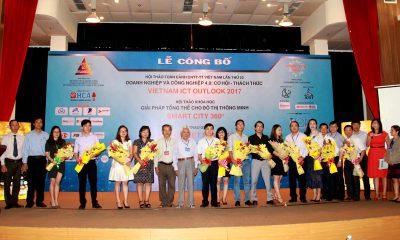 Trao hoa NTT 1 400x240 - Hội thảo VIO 2017 bàn về công nghiệp 4.0 cho doanh nghiệp