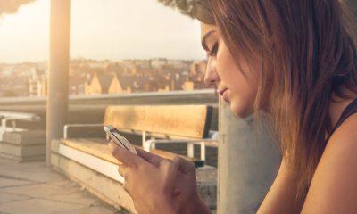 android with girl hand 400x240 - Tổng hợp 17 ứng dụng Android giảm giá miễn phí ngày 9.9 trị giá 27USD