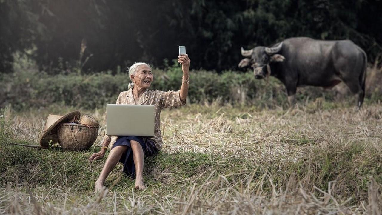 iphone selfie 2 featured - Tổng hợp 9 ứng dụng mới và miễn phí hay nhất trong tuần