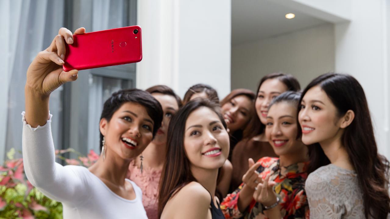 HAI 8059 - OPPO F5 ra mắt 4/11, màn hình tràn 18:9, ứng dụng AI vào làm đẹp khi selfie