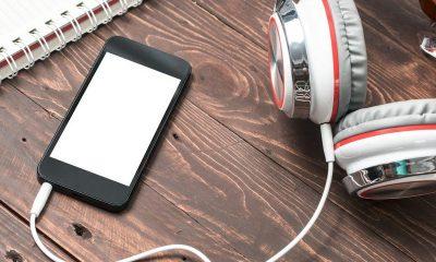 iphone headphone 1 featured 400x240 - Tổng hợp 11 ứng dụng iOS giảm giá miễn phí ngày 3.11 trị giá 22USD