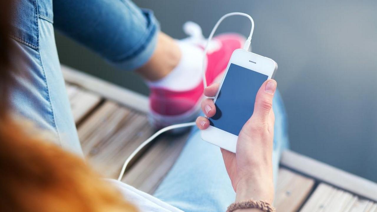 iphone headphone 6 featured - Tổng hợp 10 ứng dụng iOS giảm giá miễn phí ngày 5.11 trị giá 28USD.