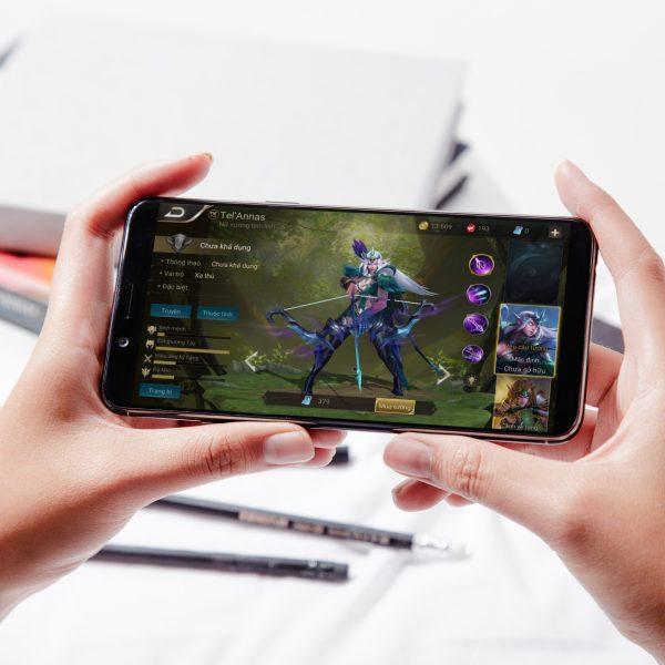 F5 Youth 06 600x600 - OPPO F5 Youth: màn hình tràn viền, selfie camera A.I, giá 6.19 triệu
