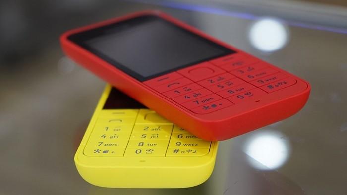 Nokia 2 - Nokia 220 dual sim lên kệ, giá 990.000 đồng