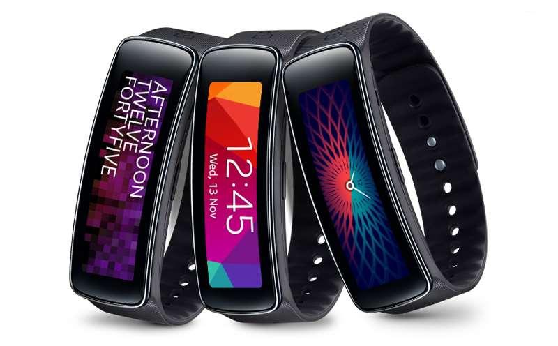 samsung galaxy gear fit sam gfitb j2 - Giá Galaxy Gear Fit giảm 50% còn 1,9 triệu đồng
