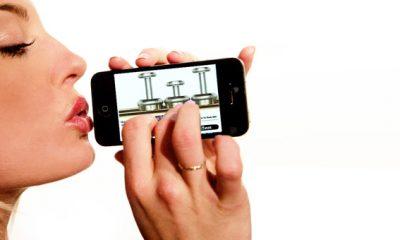 """blow iphone 400x240 - """"Tuyệt chiêu"""" thổi vào iPhone để mở khóa"""