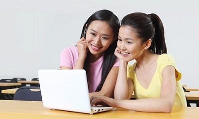 hoc tieng anh tai hello chao online - Học sinh PTTH có thể học trực tuyến 8 môn học chính