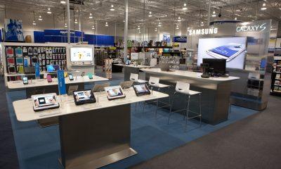 """smartphone store 2 400x240 - Những chiêu """"xoay tiền"""" thời công nghệ"""
