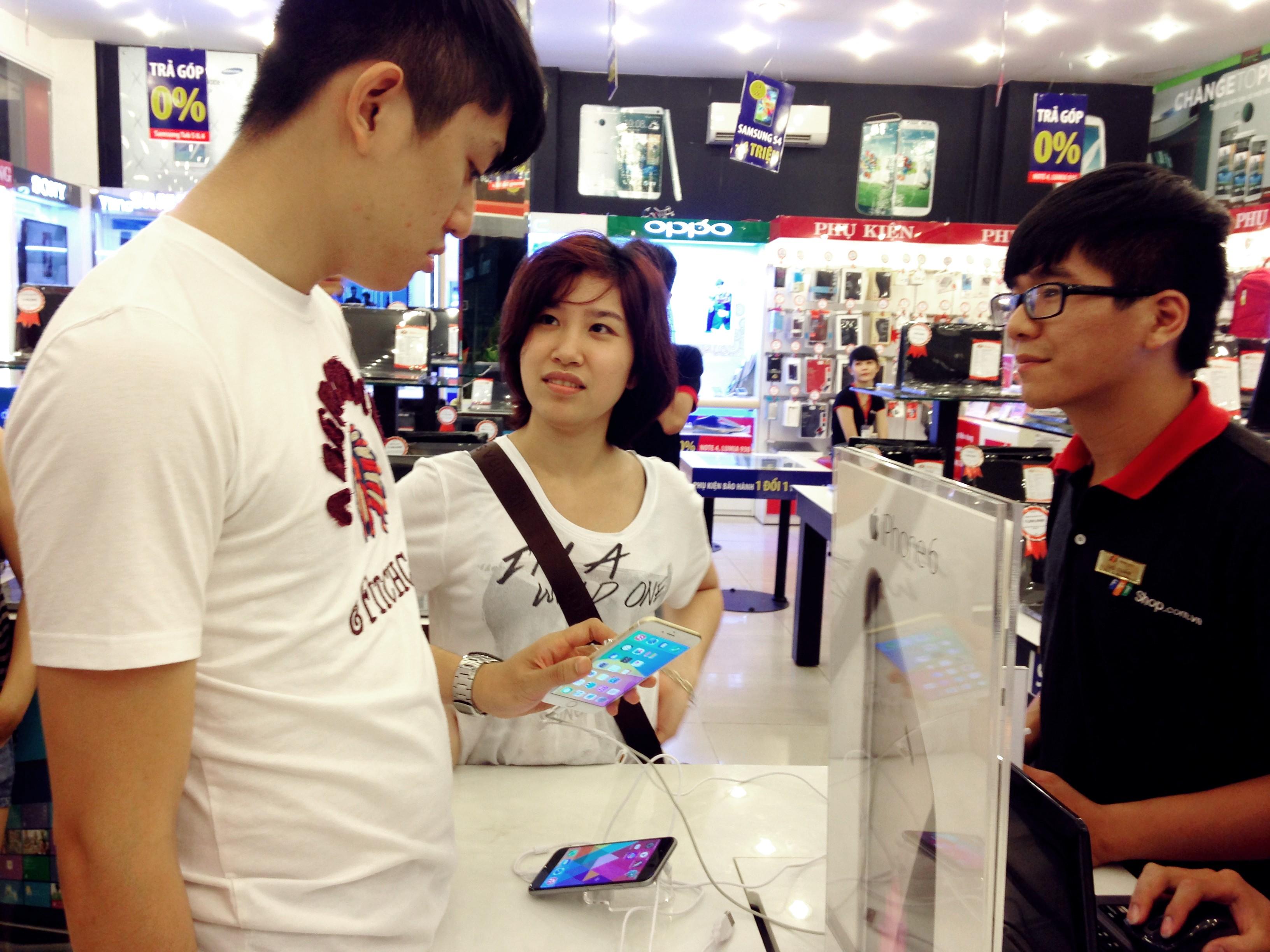 Hinh thi truong 484 - Thị trường ĐTDĐ tháng 12: Lumia 535, Oppo R5 gây ấn tượng