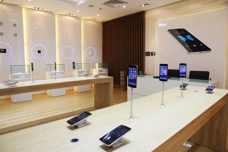 KhaitruongshowroomBphone - Bphone khai trương showroom trải nghiệm, thứ Năm hằng tuần mở bán qua mạng
