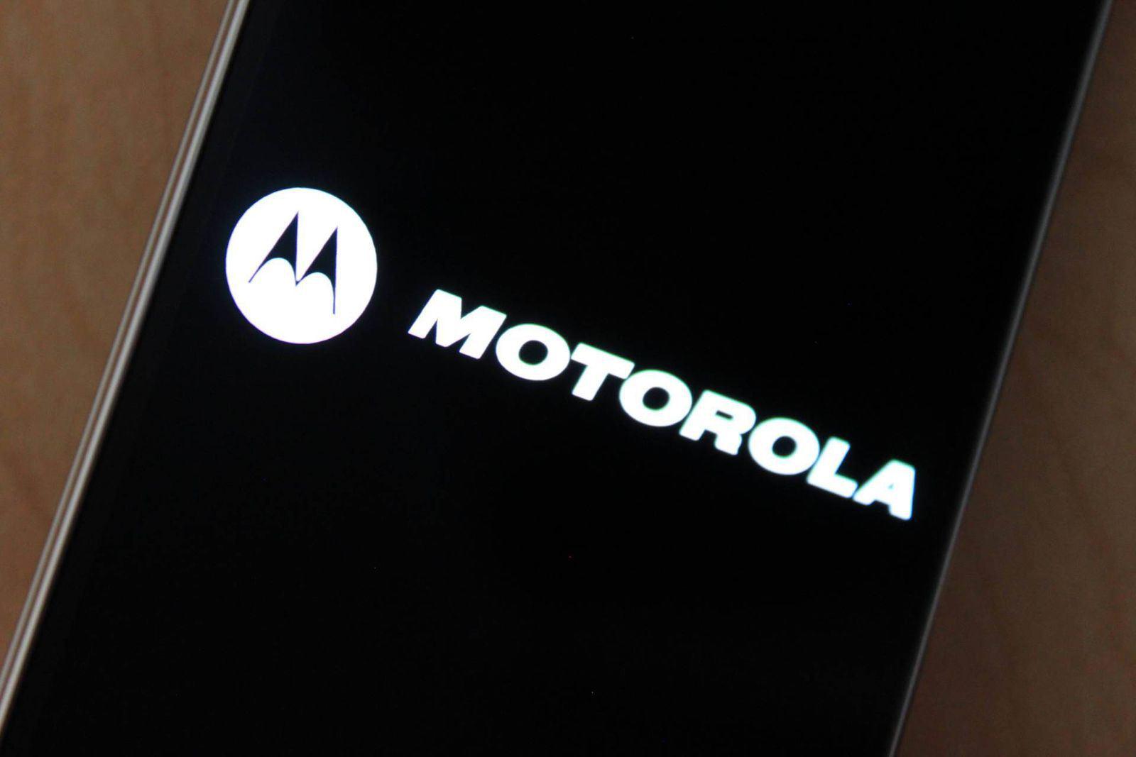 """Motorola Bounce - Motorola Bounce hé lộ cấu hình với màn 5,4"""" QHD và pin dung lượng cao"""