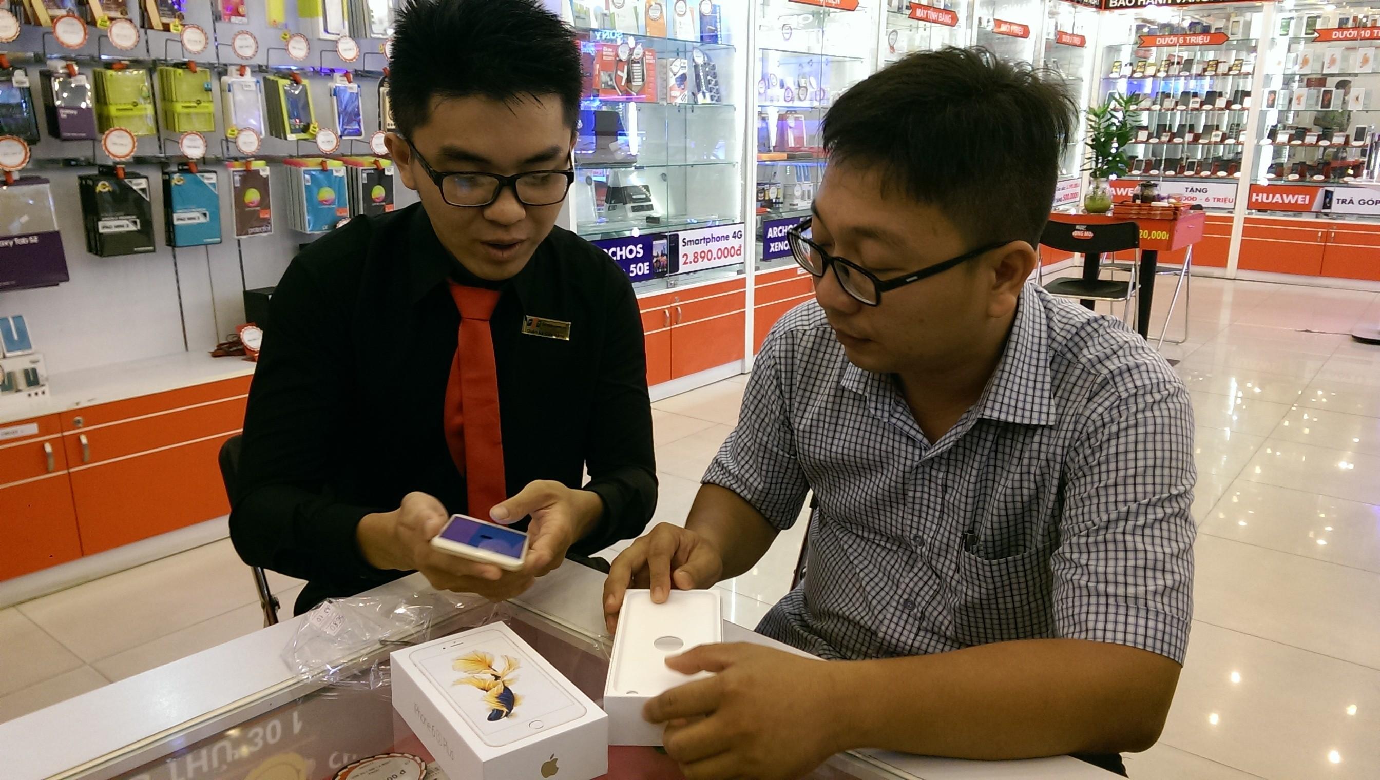 FPT SHOP 1 - FPT Shop mở bán iPhone 6s và 6s Plus
